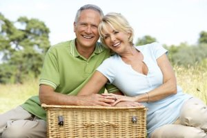 a pair enjoys their independent living lifestyle for seniors